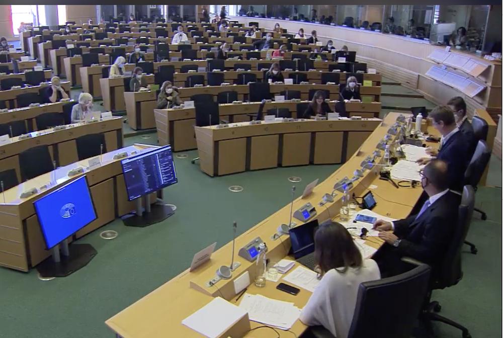 Débat au Parlement européen sur l'accès des citoyens au vaccin contre la Covid19